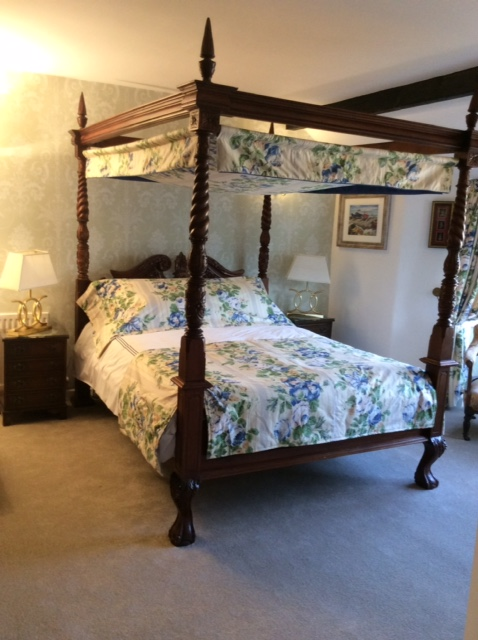 Chideock-House-Bedroom-fourposter-west-dorset-country